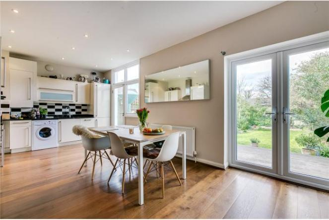 property-for-sale-telford-avenue-london-sw2-700x469-1460375384-CSV101540_17.jpg